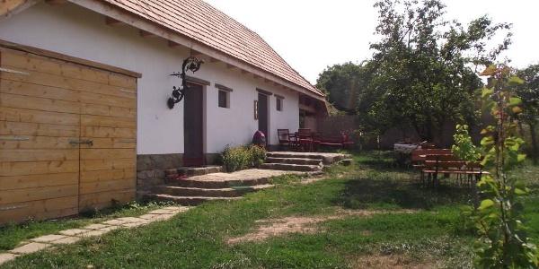 Edvi Illés kávéház és falusi vendégasztal