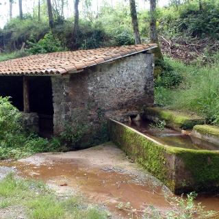 La Vega: Caserio Cerezaledo: Fuente Santagueda
