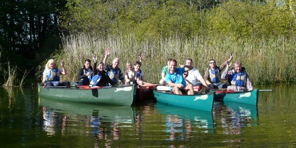 """Neben dem Verleih von Kanus bietet der Freizeitanbieter """"Wasserwanderer"""" auch geführte Touren auf der Warnow an."""