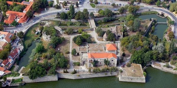 Die Burg in Tata von oben