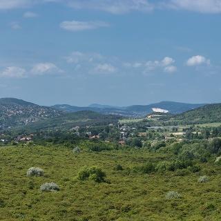 180 fokos panorámakép a Hármashatár-hegy nyugati lejtőjéről, a S jelzés mentén