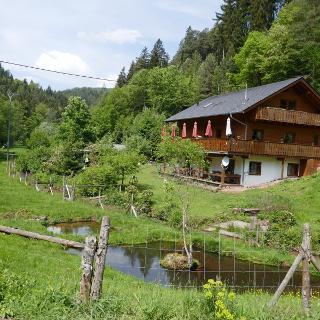 Die Rückseite der Waldschänke Hornesselwiese