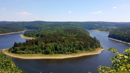Saaleschleife vom Aussichtspunkt Heinrichstein an der Bleilochtalsperre