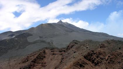 Montagnolakrater 2664m mit Blick zum Ätna Zentralkrater