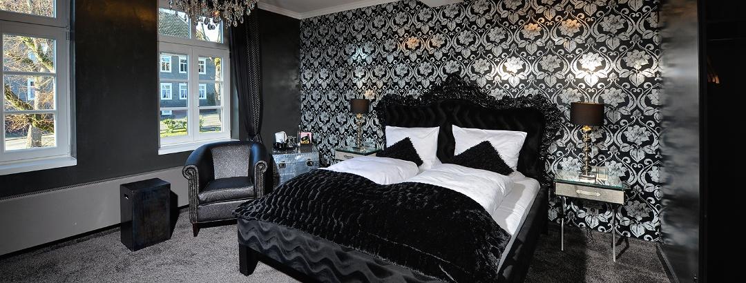Schwarze Suite