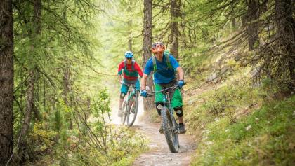 The Yo-Yo-tour offers pure flow: like here on the last section in the forrest just above Zermatt.