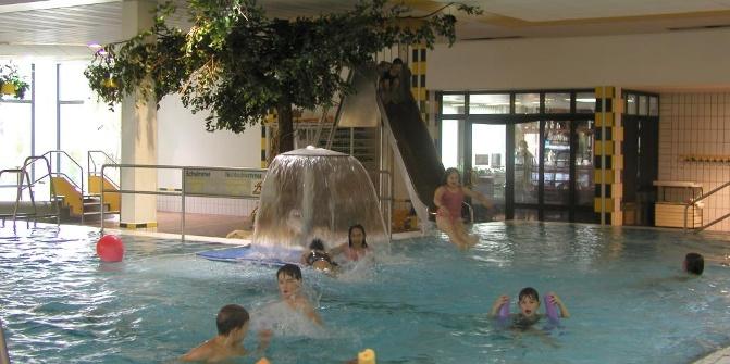 Schwimmbad Emstek schwimmhalle emstek hallenbad outdooractive com