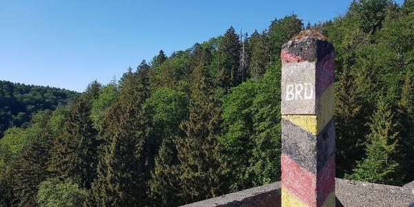Grenzstein BRD-DDR an der Eckerstaumauer