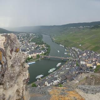 Blick von der Burg Landshut auf Bernkastel-Kues