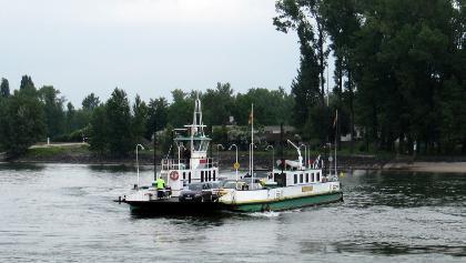 Rheinfaehre Landskrone Nierstein