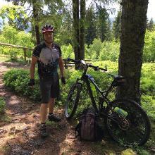 dreckiges bike an der Balzenwaldhütte