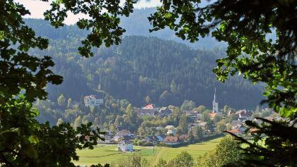 Gemeinde Himmelberg mit Schloss Biberstein und Pfarrkirche - Standort Werschling, Südostansicht