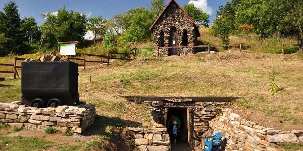 Bergbaulandschaft Kupferberg - Mundloch des Gelobtes Land Stolln