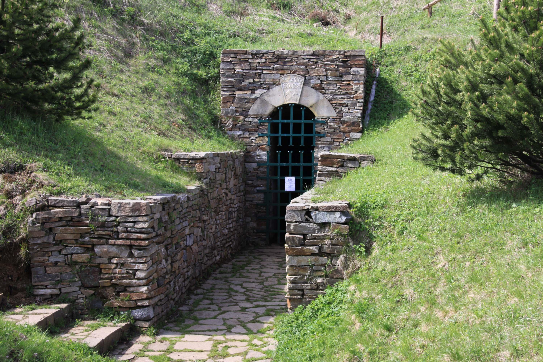 Bergbaulandschaft Kupferberg - Mundloch des Mariahilf Stolln