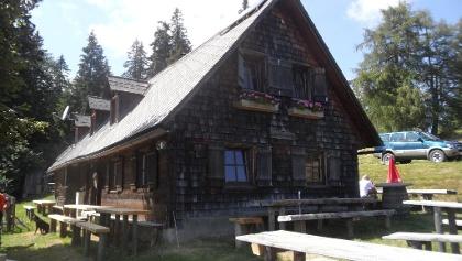 Unterauerlinger Hütte_Außenansicht