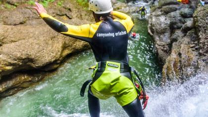 Canyoning Allgäu - Springen in Gumpen