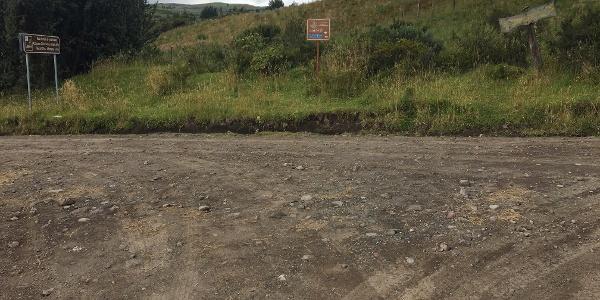 "0.35 Miles - Signs for ""Ruta Avenida de Volcanes."""