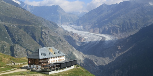 Hotel Belalp mit Sicht auf Aletschgletscher