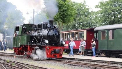 Eine der Dampfloks im Bahnhof Schierwaldenrath