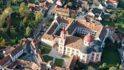 Blick auf Schloss Pöllau