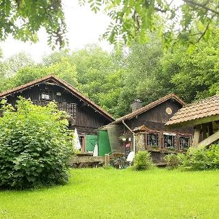 Die Eisenwaldhütte, Naturfreundehaus Siegen, ist sonntags bewirtschaftet