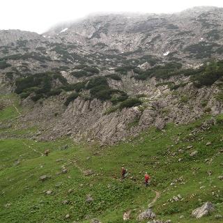 Aufstieg zum Rotgeschirr nach der Weggabelung zur Röll