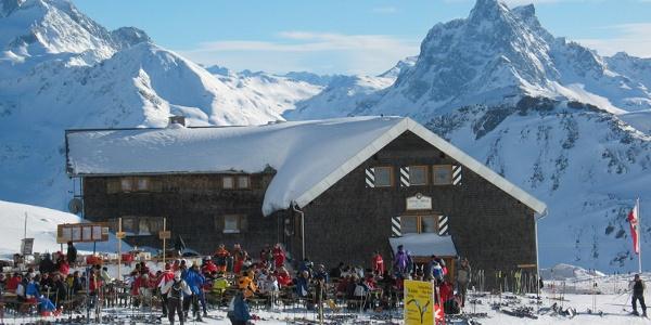 Uler Hütte im Winter von Norden