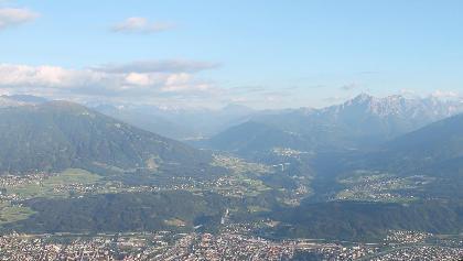Blick über Innsbruck zum Brenner