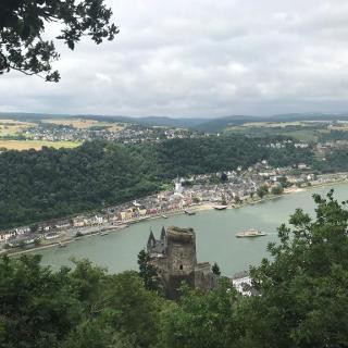 Burg Katz und St. Goarshausen