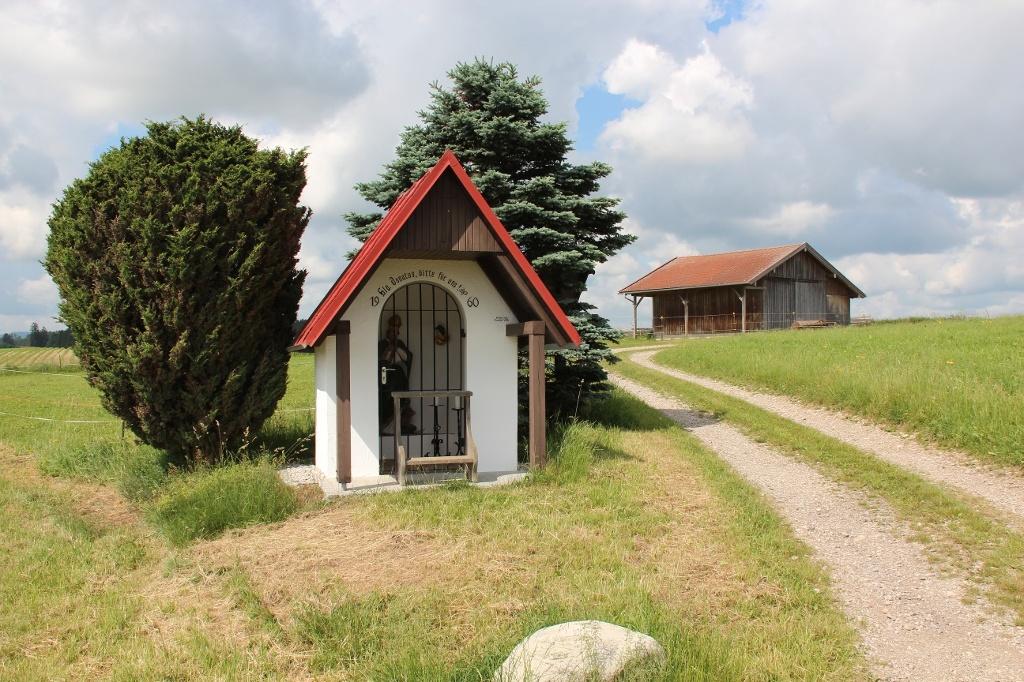 Kleines Marterl am der Schachenwaldrunde zum Gedenken an den Heiligen Donatus (Andreas Klausmann)