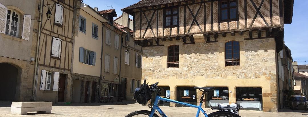 Place du Marcadial, Saint Cerre
