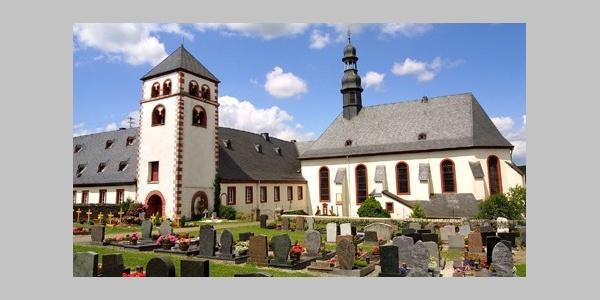 Andreasturm mit Kloster u Pfarrkirche St Josef