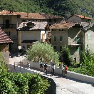 Der Eingang, der von Prè nach Leano führt
