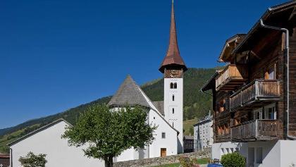 Münster: Pfarrkirche im Dorfzentrum