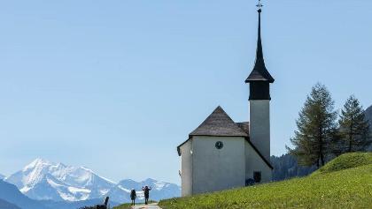 Lawinenkegel Ritzingerfeld: Kapelle und Weisshorn (4505 m)