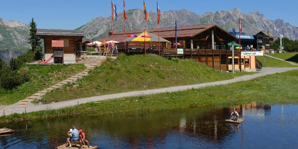 Bergrestaurant mit See