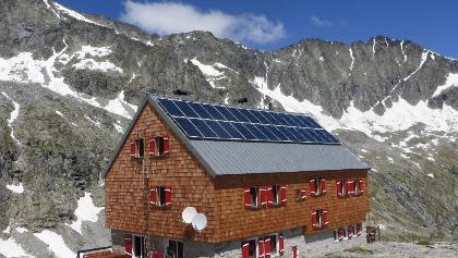 Barmer Hütte mit Patscher Schneid