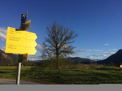 Wanderwegsbeschilderung am Golfplatz Grassau