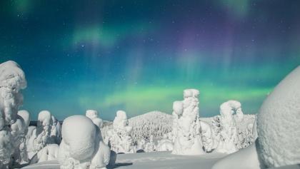 Northern Lights in Valtavaara's winter sceneries, Ruka