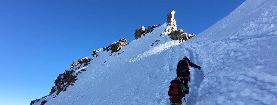 Das Gipfeleisfeld, hinten Gipfel mit Madonna