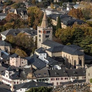 Sion: Blick von Valeria auf Kathedrale