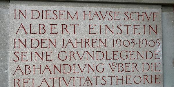 Gedenktafel am Einstein-Haus in der Kramgasse 49.