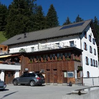 Rechter Teil des beliebten Berggasthofs Sücka, 1402 m.