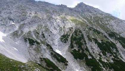 Karkopf Südflanke mit erkennbarem Steig