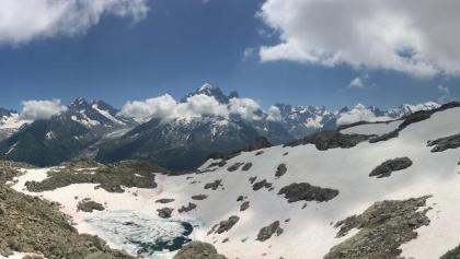 Zicht op Aiguille Verte (4122m)