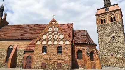 Die evangelische Kirche St. Johannis mit Marktturm in Luckenwalde