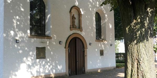 Eingang der Pfarrkirche St. Joseph in Paderborn-Marienloh