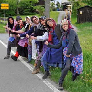 Frankenwald Weiber warten auf Wandermarathon
