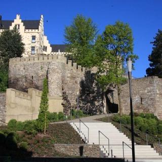 Aufstieg zur Burg