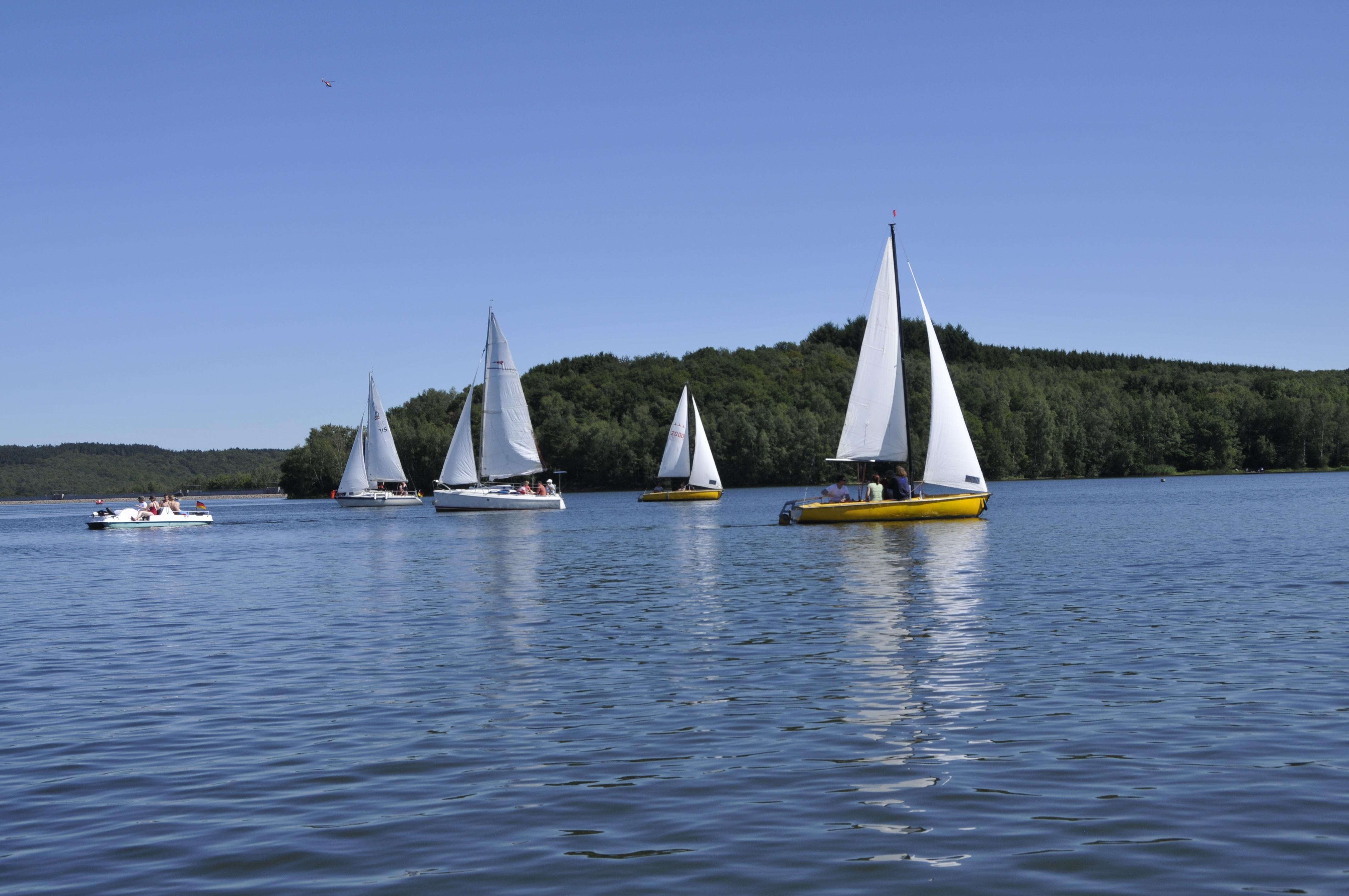 Segelboote auf dem Bostalsee